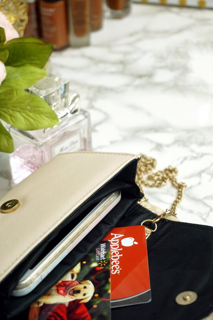 How To Stop Buying Gifts No One Wants | Gift Card | The Perfect Gift | Chiclypoised.com