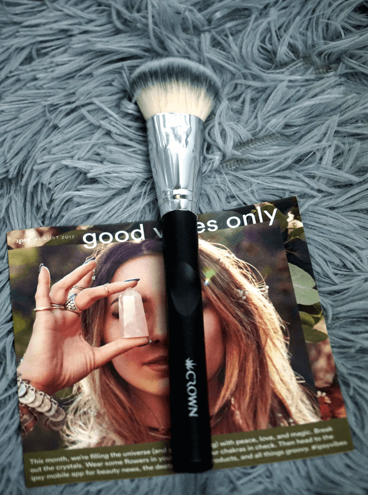 Ipsy Reviews August 2017 Ipsy Glam Bag | SS035 Medium Face Contour Brush by Crown Brush | Chiclypoised | Chiclypoised.com
