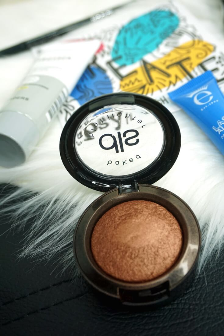 Dirty Little Secret Cosmetics Baked Highlighter in Soda Pop | Chiclypoised.com