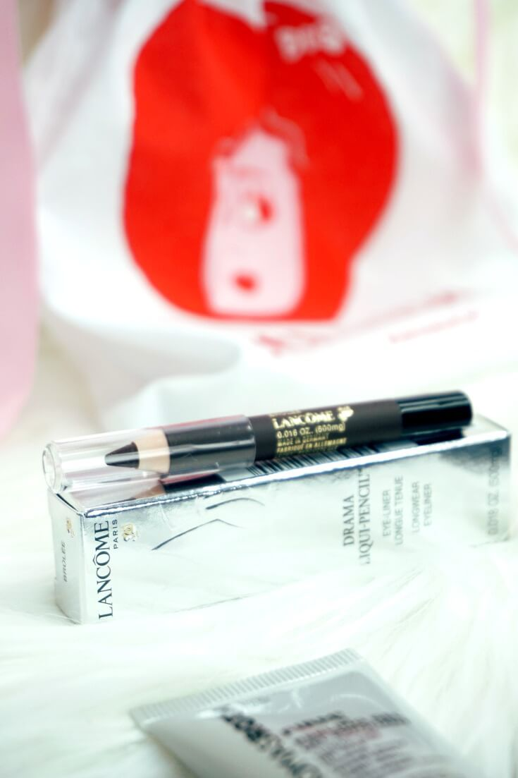 Lancome Drama Liqui-Pencil Longwear Eyeliner Review | Chiclypoised Beauty Reviews |Chiclypoised.com