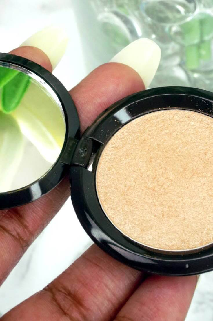 Jaclyn Hill Champagne Pop Highlighter On Dark Skin | Chiclypoised.com