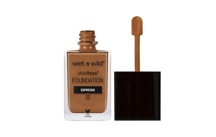 Wet n Wild Focus Foundation Is A Dupe For The Discontinued Marc Jacobs Genius Gel Foundation | Chiclypoised.com