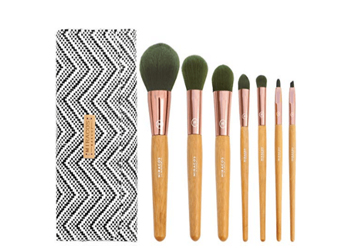 Wooden Makeup Brush Set Under 10 Dollars | Chiclypoised.com