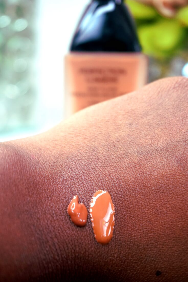 Chanel Ultrawear Flawless Foundation Chocolat 132 Swatch