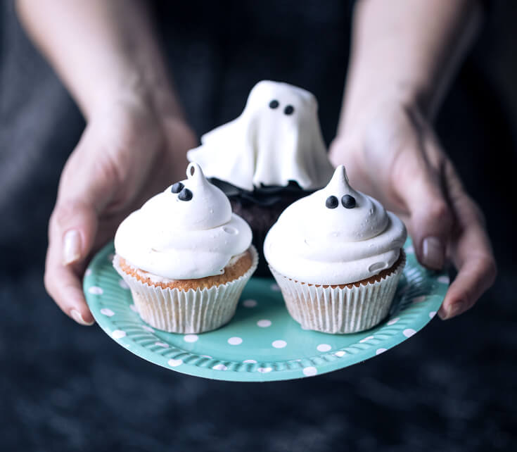 Halloween Treats for Halloween Parties | Ghost Halloween Cupcakes