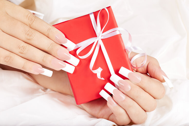 The Classic French Tips Christmas Nails To Try This Year