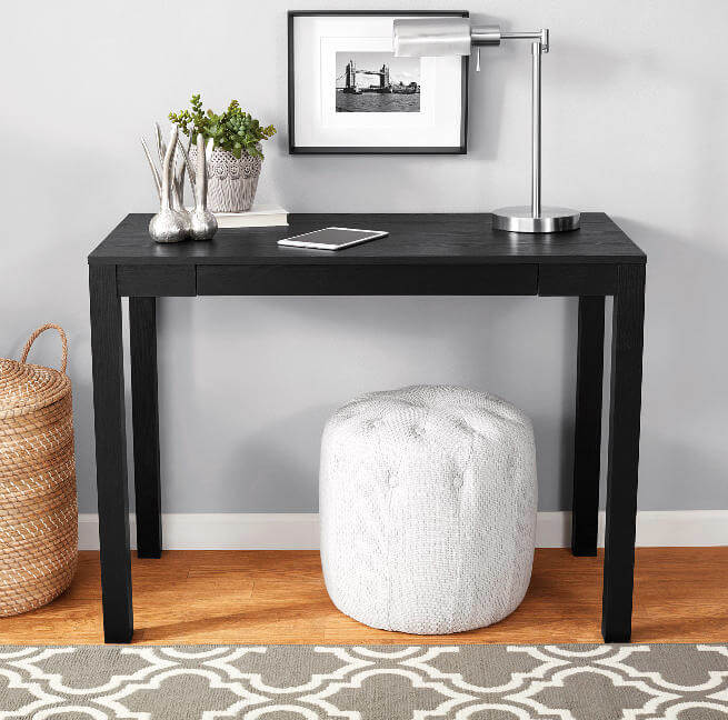 College Apartment Decorating Ideas For Your College Apartment Living Room | Cheap Computer Desk