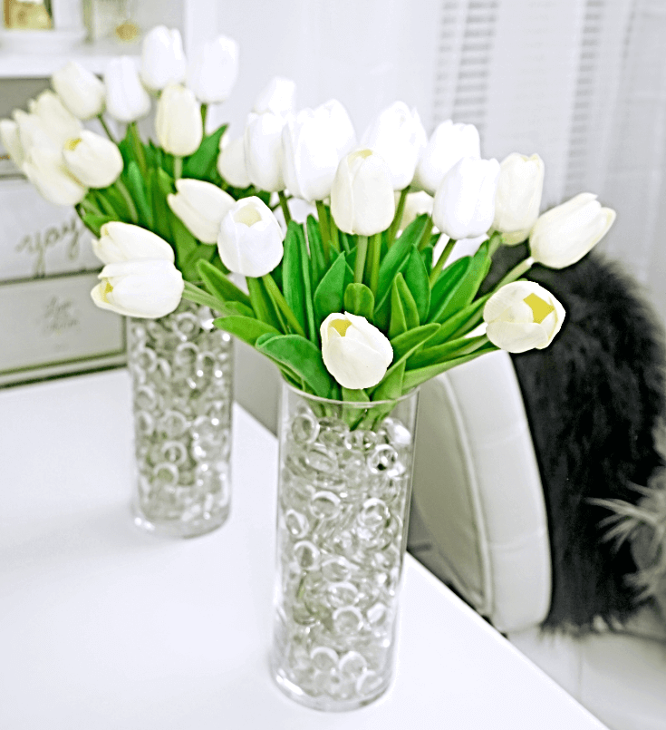 College Apartment Decorating Ideas For Your College Apartment Living Room | Fake Flower Centerpieces 1 of 1