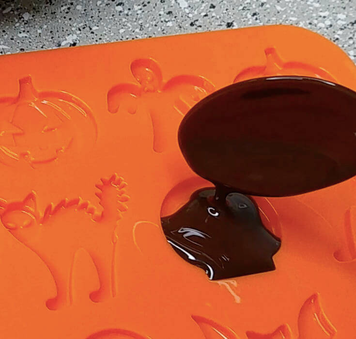 How to Melt Chocolate for Molds 2 of 4